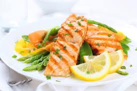 Des fruits, des légumes et du poisson pour soutenir les performances cognitives des garçons!