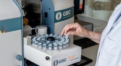 Amélioration de l'efficacité d'un traitement contre le cancer grâce à une bactérie