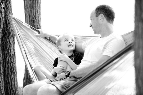 Parents isolés - les pères trinquent !
