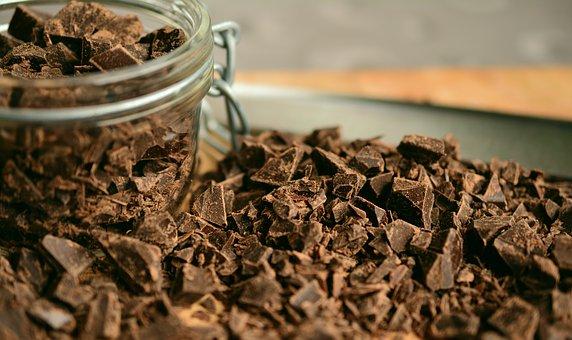 Avis aux amateurs: parce qu'il est indigeste, le chocolat est bon pour la santé!