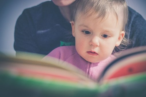 Les enfants aiment lire et relire les mêmes histoires