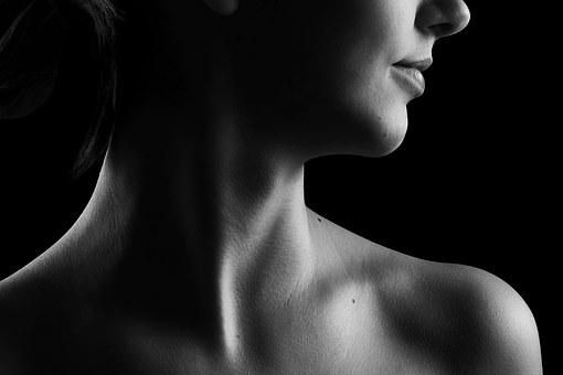 L'aide des bactéries, virus et champignonsdans les problèmes de peau