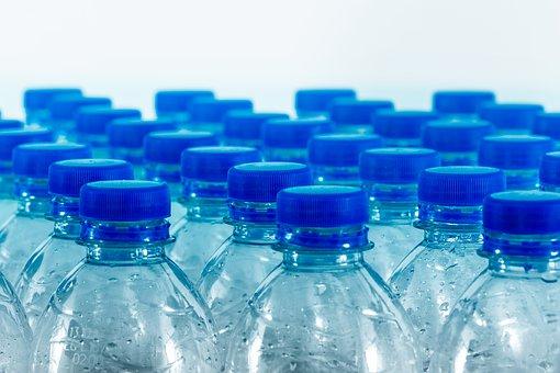 Nous ingérons 5 grammes de plastique par semaine