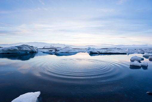 Fontes des glaces et incendies en Arctique