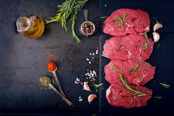 La consommation de viande rouge accroit le risque de cancer du sein