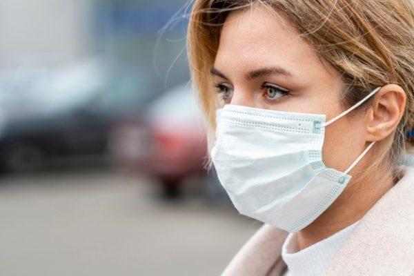 Depuis Hong Kong : «Je suis ahurie d'entendre les autorités continuer d'affirmer que le masque ne sert à rien».