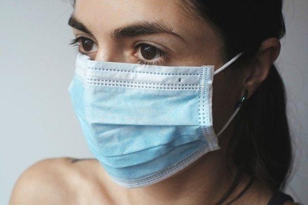 Coronavirus : la pénurie de masques, serpent de mer de l'épidémie