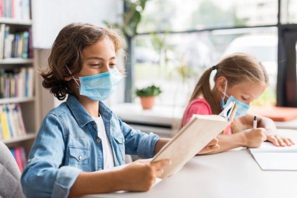 Masques interdits pour les enfants en Autriche.