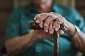Espagne – La vaccination de Pfizer interrompue après le décès de 46 pensionnaires de maisons de retraite