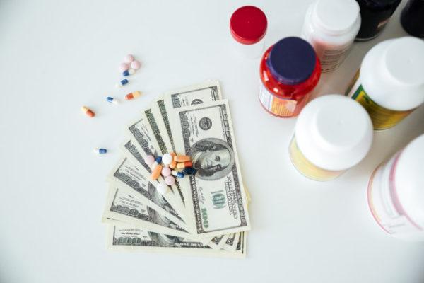 Big Pharma se reconvertit en traitement rémunérateurs face à l'échec des vaccins